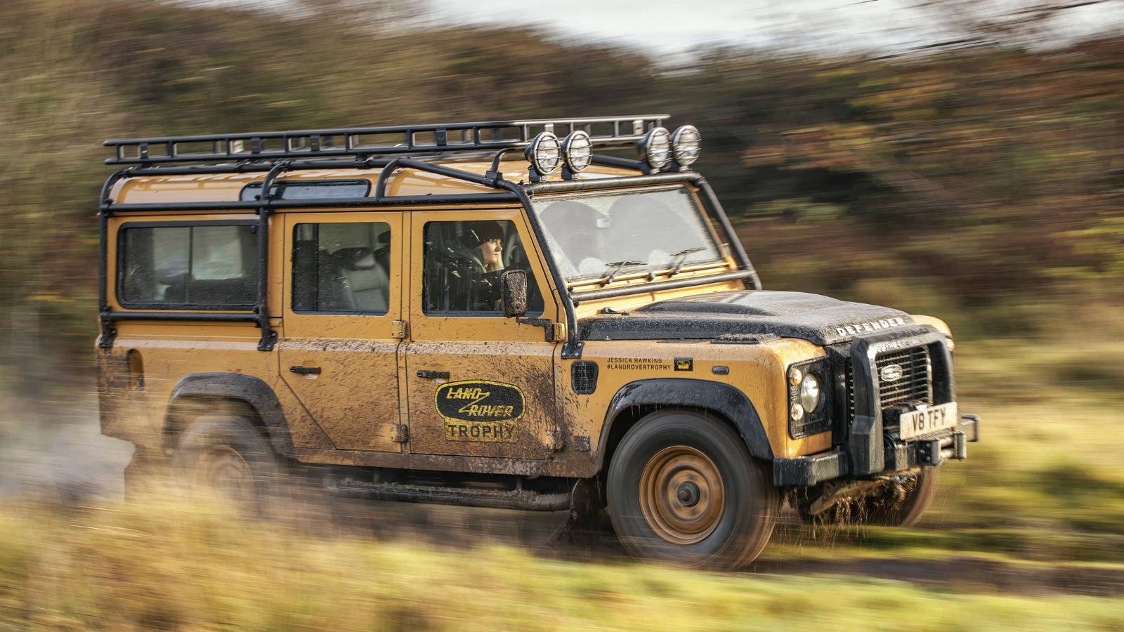 ADVENTURE READY LAND ROVER DEFENDER WORKS V8 TROPHY CELEBRATES EXPEDITION LEGACY WITH UNIQUE EXPERIENCE