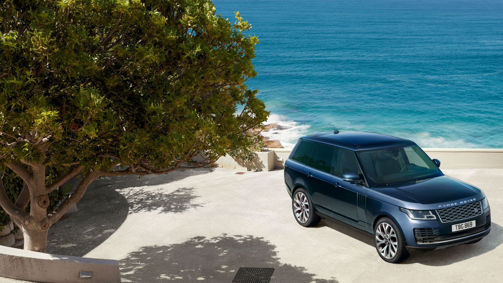 RANGE ROVER OR RANGE ROVER SPORT - WHICH SHOULD YOU CHOOSE?